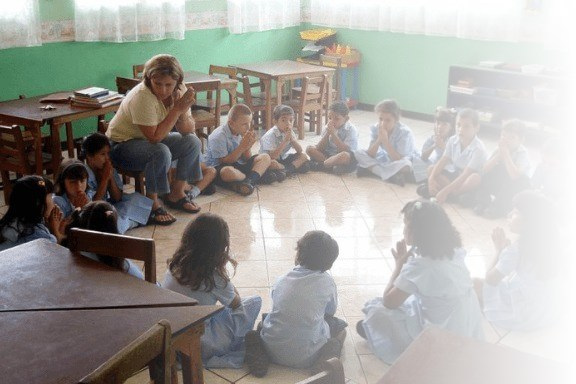 classroom full of students in costa rica